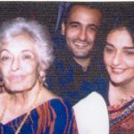 Akshaye Khanna with his mother and grandmother