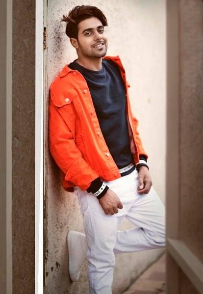 Guri (Punjabi Singer) Age, Girlfriend, Family, Biography