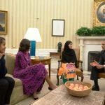 malala-yousafzai-with-barack-obama-and-his-family