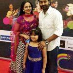 narain-with-his-wife-manju-haridas-and-daughter-tanmayaa-narain