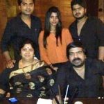 silambarasan-with-his-family
