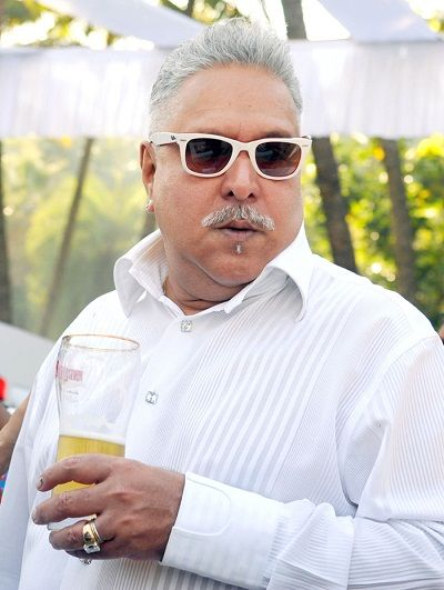 Vijay Mallya having alcohol