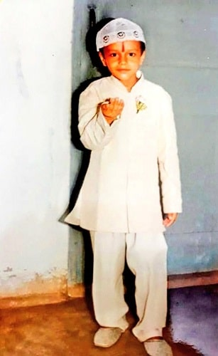 Aniruddh Dave's childhood picture