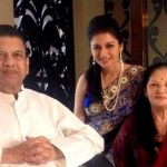 Bhagyashree with her parents