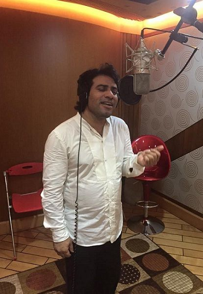 Javed Bashir singing