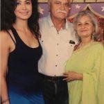 Pooja Batra with her parents