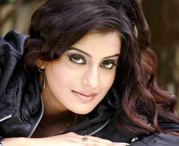 Akshara Singh (Actress) Height, Weight, Age, Boyfriend
