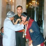 Anju Bobby George receiving Khel Ratna Award