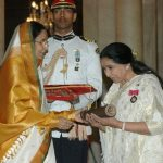 Asha Bhosle receiving Padma Vibhushan from President