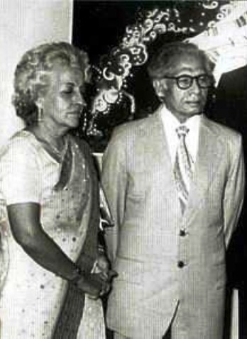 Harivansh Rai Bachchan Age, Death Cause, Wife, Family ...