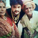 Khesari Lal Yadav with his parents