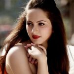 Lavina Tandon (Actress) Height, Weight, Age, Affairs, Biography & More