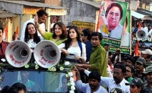 Riya Sen's mother Moon Moon Sen campaigning in Bankura