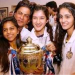 Shanaya Kapoor with Shah Rukh Khan, Suhana Khan and Ananya Pandey