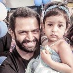 Sharib Hashmi with his daughter