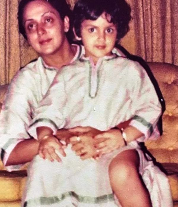 An Old Picture of Esha Deol and Her Mother