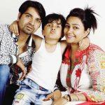Aryan Prajapati with his parents