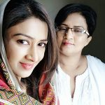 Farnaz Shetty with her mother