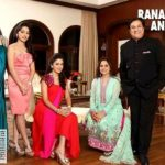 Rakhee Kapoor Tandon (Extreme Left) With Her Parents and Sisters