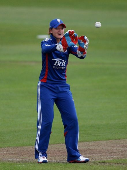Sarah Taylor wicket keeping