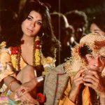 Zeenat Aman with Dev Anand in Hare Rama Hare Krishna