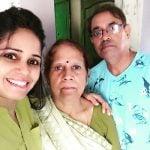 Garima Srivastav with her parents