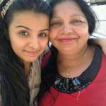Mahima Makwana with her mother