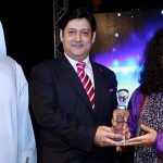 Abida Parveen presented with the Ambassadors Recognition Award in UAE by diplomat Javed Malik