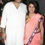 Amit Khanna wife
