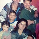 Dishani Chakraborty childhood photo with her family