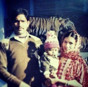 Fahad Ali's Childhood Photo With His Parents