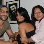 Himanshi Choudhary with mother and brother