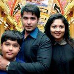 Prachi Kowli Thakker with her husband Pankit Thakker and son Rakshan Thakker