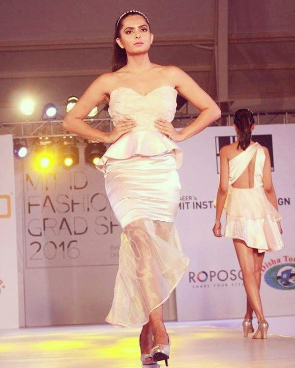 Ruhi Chaturvedi walking the ramp for MIT Graduation Show 2016