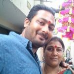Sneha Namanandi brother Pawan Namanandi with mother (1)