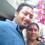 Sneha Namanandi brother Pawan Namanandi with mother (1)