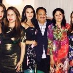 Aanchal Kumar with parents and sisters