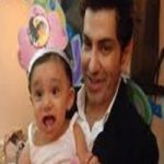 Fakhir-Mehmood With His Daughter
