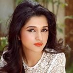 Nidhi Shah Height, Weight, Age, Boyfriend, Family, Biography & More