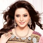 Aamna Sharif (Actress) Height, Weight, Age, Husband, Biography & More