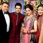 Aamna Sharif with her parents and husband
