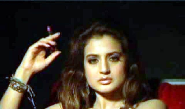 Amisha Patel Smoking