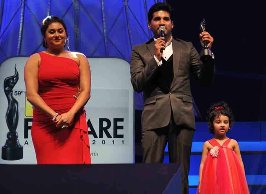 Vijay Yesudas(Singer,Actor) Height, Weight, Age, Family