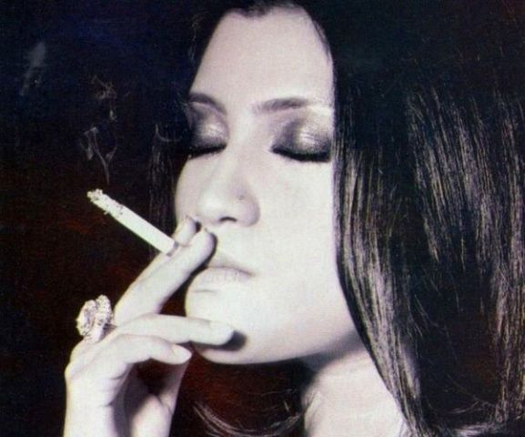 Konkona Sen Sharma Smoking