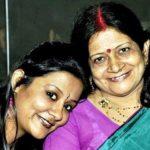 Akansha Verma with her mother
