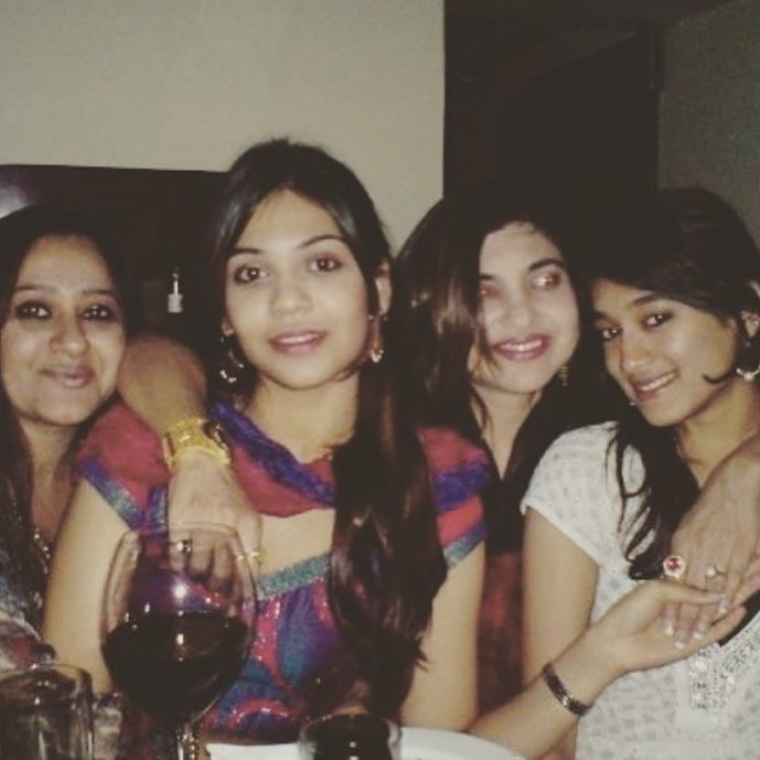 Alka Yagnik Drinking Alcohol