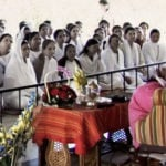 Anandmurti Gurumaa Giving Spiritual Discourse