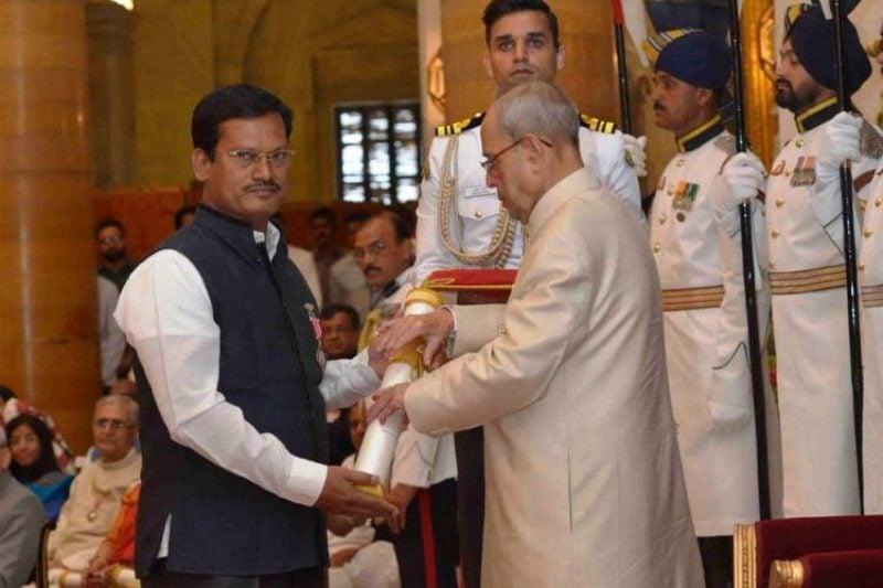 Arunachalam Muruganantham With-Padma Shri
