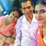 Poulomi Das with parents