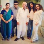 Rakhi Vijan with family